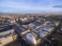 Alameda del SM de Asia en Manila, Filipinas Paisaje urbano hermoso y uno de la alameda más grande de Asia fotos de archivo