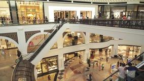 Alameda interior de los emiratos en vídeo de la cantidad de la acción de Dubai almacen de metraje de vídeo