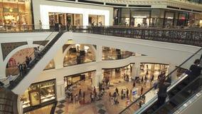 Alameda interior de los emiratos en vídeo de la cantidad de la acción de Dubai almacen de video