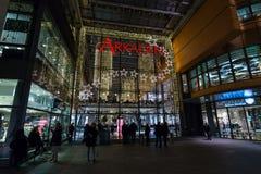 Alameda nueva y moderna de Arkaden - de compras en Potsdamer Platz Fotografía de archivo