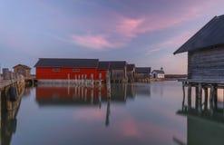 Aland-Sonnenuntergangreflexion im Wasser stockbild