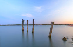 Aland-Sonnenuntergangreflexion im Wasser stockfotografie