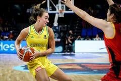 Alanna Smith en la acción durante el partido de baloncesto AUSTRALIA contra CHINA fotografía de archivo libre de regalías