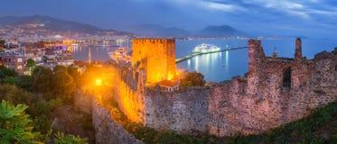 Alanya bij Nacht - Turkije stock foto's