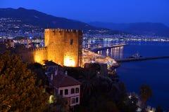 Alanya slott i aftonen royaltyfri foto