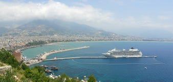 Alanya - torre y puerto rojos Fotografía de archivo libre de regalías