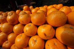 Alaranjado - fruto no mercado de rua Foto de Stock Royalty Free