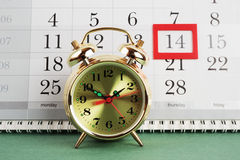 Alarm clock and calendar Royalty Free Stock Photos