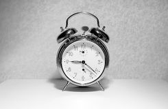 Alarm clock rings in the morning Royalty Free Stock Images