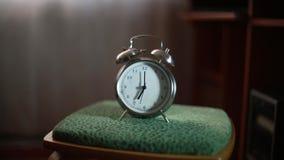 Alarm dzwoni wcześnie w ranku zbiory wideo