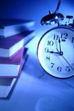alarm zegara sterta książek Obrazy Royalty Free