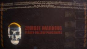 Alarma de cuidado del zombi en un monitor sucio viejo almacen de video
