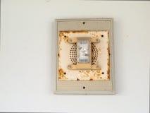 Alarma de incendio con la luz de emergencia Imagenes de archivo