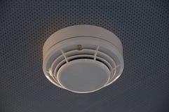 Alarma de incendio del detector de humos Imágenes de archivo libres de regalías