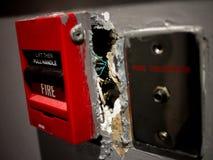 Alarme d'incendie cassée Photos stock
