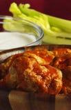 Alas de pollo calientes Fotos de archivo libres de regalías