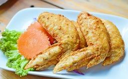 Alas de pollo fritas Imagen de archivo libre de regalías