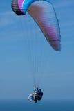 Alas flexibles en tándem en Torrey Pines Gliderport en La Jolla Foto de archivo