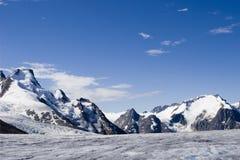 Alaska-Gletscher. Felsige Berge Lizenzfreie Stockfotos