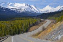 Alaska huvudväg, Yukon territorium, Kanada Arkivbild