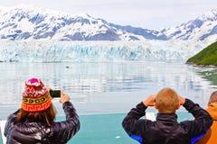 Alaska kryssningminnen på den Hubbard glaciären Royaltyfria Bilder