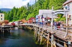 Alaska - liten vikgataingång Ketchikan arkivfoton