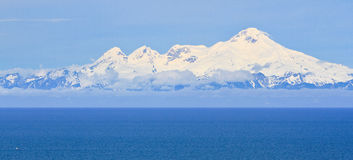 Alaska - monteringsIliamnavulkan royaltyfria bilder