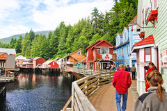Alaska-Nebenfluss-Straße nahe Dollys Haus, kaufend Lizenzfreie Stockbilder