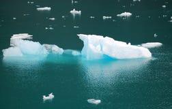 alaska podpalana lodowa góra lodowa zdjęcie royalty free