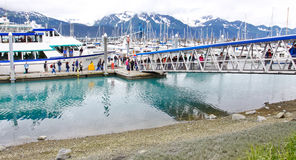 Alaska Seward Kenai FjordsTours landgång Arkivbilder