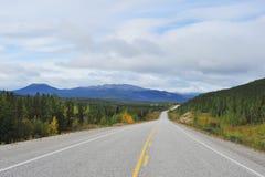 Alaskabo huvudväg Royaltyfri Fotografi
