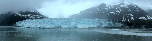 Alaskan Glacier. A panoramic picture of an Alaskan glacier Royalty Free Stock Photography