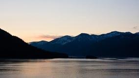 Alaskas innerhalb der Durchführung stockfotografie