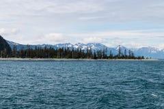 Alaskische Landschaft von Bergen und von Wasser 2 Stockfoto