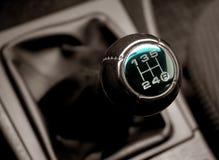 Alavanca do interruptor das transmissões um automóvel Imagens de Stock