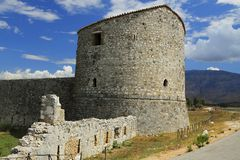 Albânia, Butrint, torre da fortaleza triangular Fotos de Stock Royalty Free
