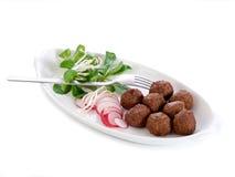 Albóndigas vegetarianas con la ensalada Fotografía de archivo libre de regalías
