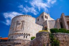 Albański grodzki budynku widok Wakacje letni wycieczka przyciąganie turystyczny obraz stock