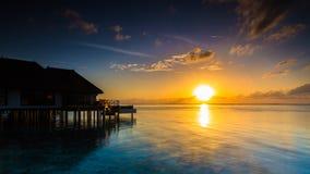 Alba ad una località di soggiorno Maldive di quattro stagioni a Kuda Huraa Fotografie Stock