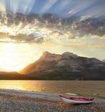 Alba al parco provinciale Alberta, Canada di Waterton Immagine Stock