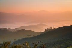 Alba alla collina di lunedì Kluy, provincia di Tak, Tailandia Fotografie Stock Libere da Diritti