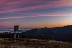 Alba alla montagna di Lousa, Lousa, Portogallo Fotografia Stock