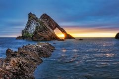 Alba alla roccia delle fiddle dell'arco fotografia stock libera da diritti