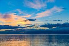 Alba alla spiaggia immagini stock