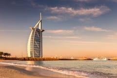 Alba alla spiaggia di Jumeirah, Dubai Fotografie Stock
