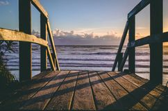 Alba alla spiaggia 1 fotografie stock
