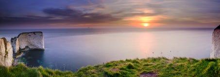 Alba alle rocce di Harry anziano, Studland, Dorset, Regno Unito fotografia stock libera da diritti