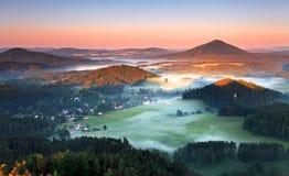 Alba in bella montagna Immagine Stock Libera da Diritti