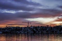 Alba brillante sopra il lago Unionn fotografia stock
