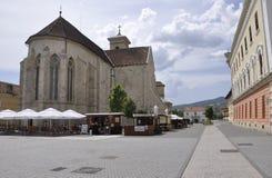 Alba Carolina Juni 15: St Michael Cathedral från Alba Carolina Fortress i Rumänien Royaltyfri Fotografi